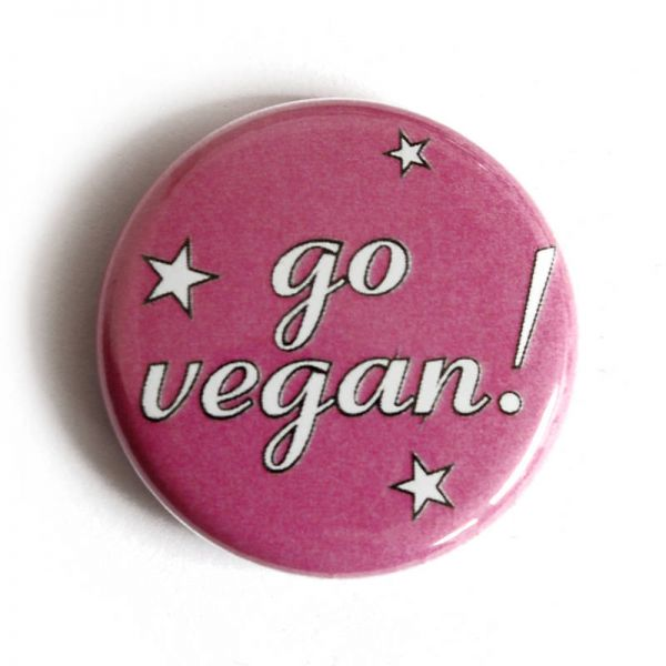 GO VEGAN PIN ANSTECKER